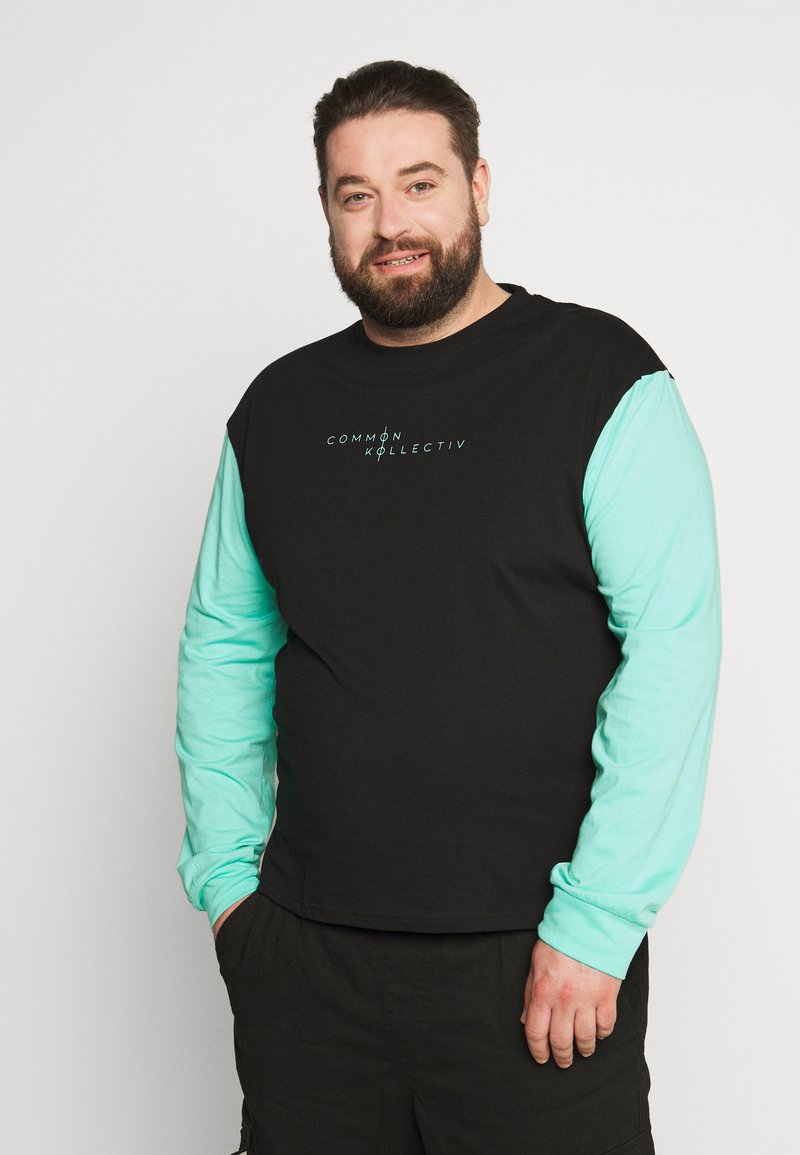 Common Kollectiv - PLUS MOTIV LONGSLEEVE - Long sleeved top - black