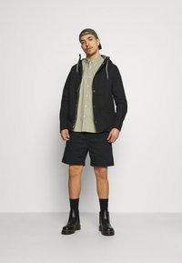 Volcom - FRICKIN SKATE EW SHORT 18 - Shorts - black - 1
