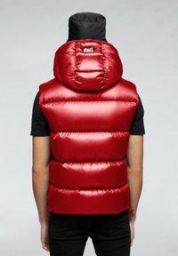 JACK1T - PRIME SLICK - Veste sans manches - cherry red - 1
