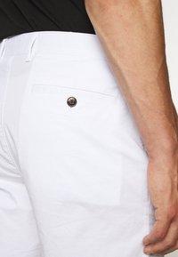 Michael Kors - WASHED - Shorts - white - 6