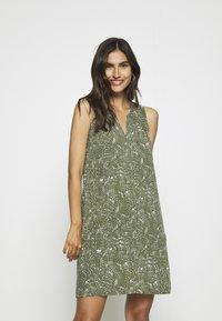 GAP - ZEN DRESS - Robe d'été - olive - 0