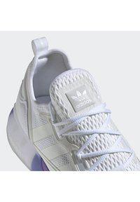 adidas Originals - ZX 2K BOOST - Sneakers basse - white, lilac - 7