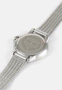 Tommy Hilfiger - DELPHINE - Klokke - silver-coloured/white - 3