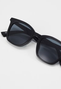 ALDO - ESKY - Sunglasses - black/smoke - 2
