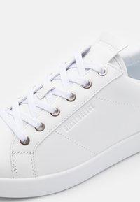 Bikkembergs - SHIERAN - Sneakersy niskie - white - 5