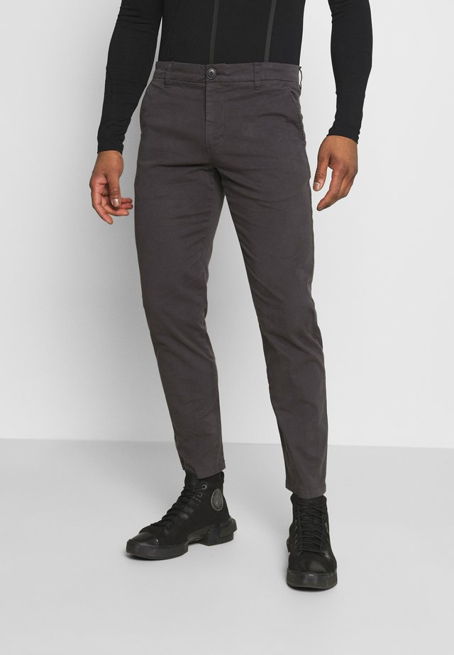 CHUCK REGULAR PANT - Chino - phantom