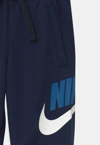 Nike Sportswear - CLUB  - Jogginghose - midnight navy - 2