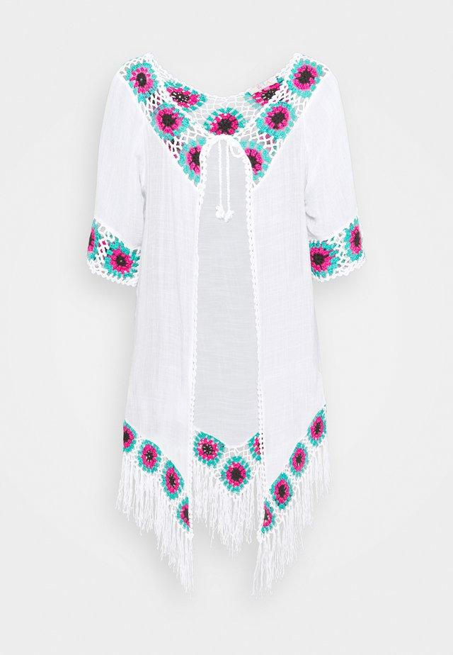 Beach accessory - white
