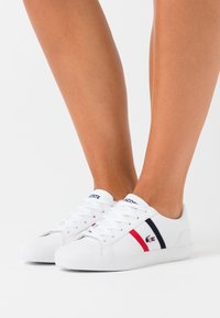 Lacoste - LEROND - Baskets basses - white/navy/red - 0