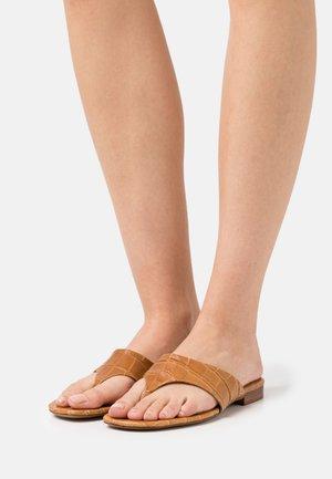 Sandalias de dedo - caramelo