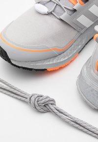 adidas Performance - ULTRABOOST PRIMEKNIT RUNNING SHOES - Neutrala löparskor - grey two/footwear white/signal orange - 5
