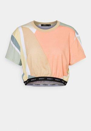 GLEN ASPEN TOP - Print T-shirt - peach multi