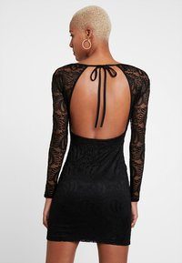 Missguided - OPEN BACK MINI DRESS - Vestido de tubo - black - 3