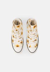 Converse - CHUCK TAYLOR ALL STAR - Sneakers hoog - egret/clove brown/amarillo - 4