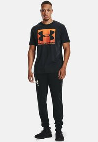 Under Armour - BOXED STYLE - Print T-shirt - black - 1