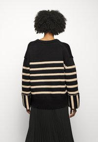 House of Dagmar - MAZZY ROUNDNECK - Maglione - black - 2