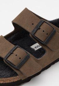 Birkenstock - ARIZONA UNISEX - Slippers - dusty concrete gray - 5