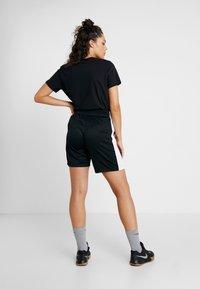 Nike Performance - NIKE DRI-FIT DAMEN-BASKETBALLSHORTS - Sportovní kraťasy - black/white - 2