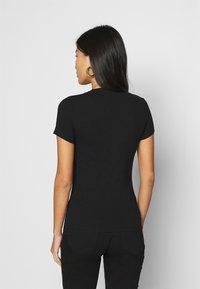 Guess - Print T-shirt - jet black - 2