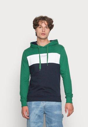 JJMONSE HOOD - Felpa - verdant green