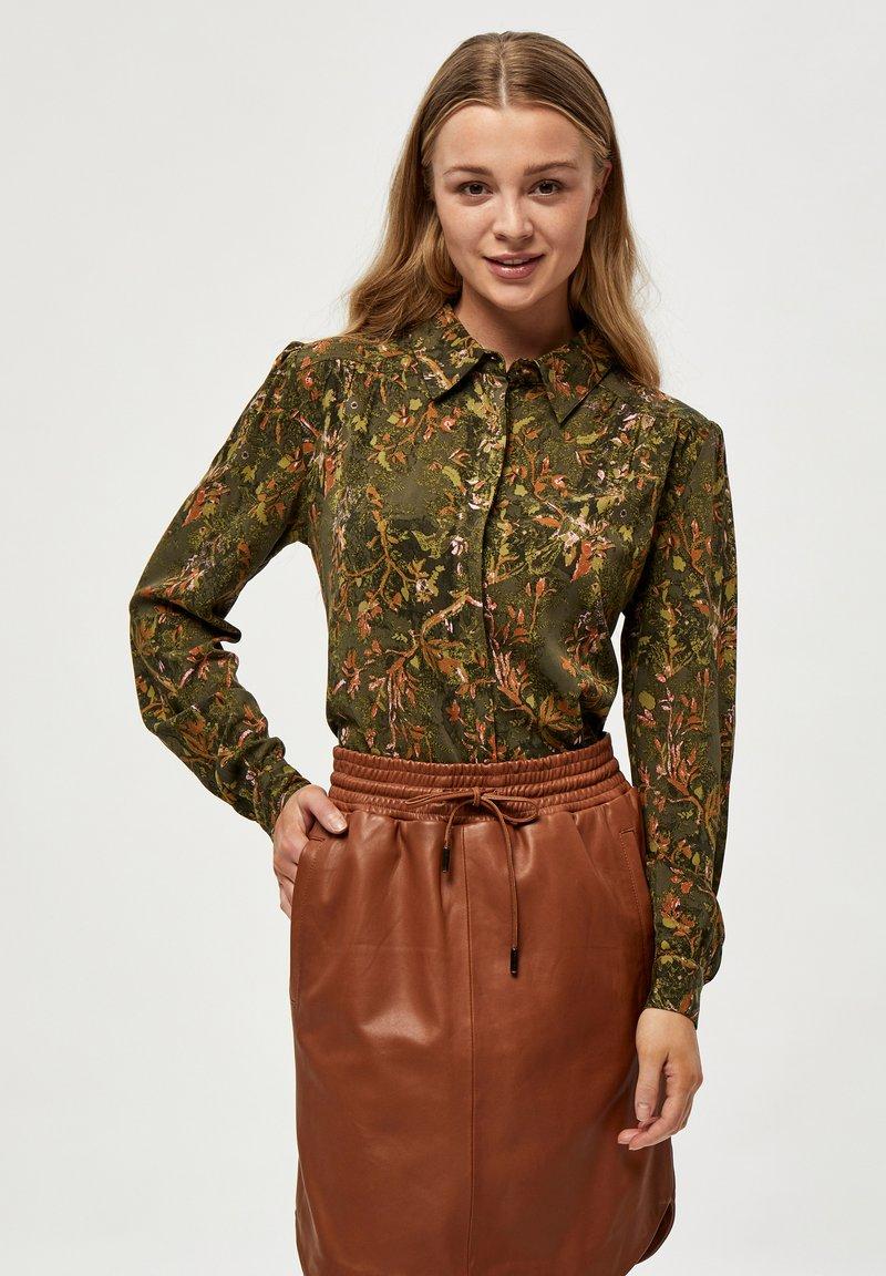 Minus - LELA - Button-down blouse - dark olive flower print