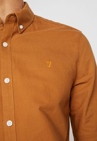 Farah - BREWER SLIM FIT - Shirt - spanish brown - 4