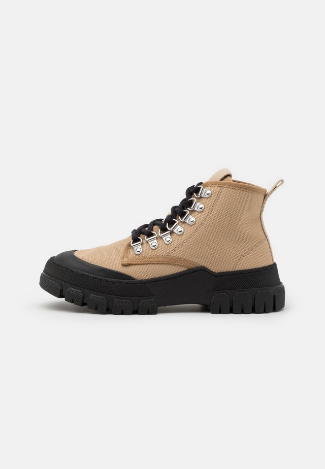 TWIG  - Šněrovací kotníkové boty - taupe