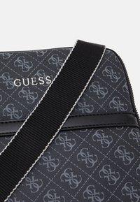 Guess - VEZZOLA MINI FLAT - Across body bag - black - 3