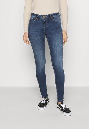 SOHER - Skinny džíny - trublj