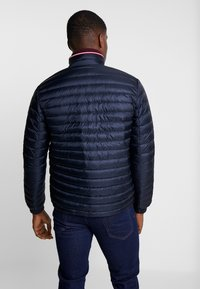 Tommy Hilfiger - CORE PACKABLE JACKET - Down jacket - sky captain - 2