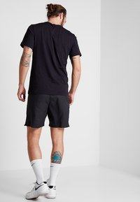 Nike Performance - COURT TEE - Basic T-shirt - black - 2