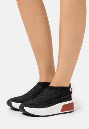 DRAYA SLIP ON  - Tenisky - black/red