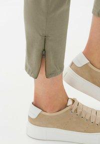 BRAX - STYLE MARY S - Pantalon classique - light khaki - 3