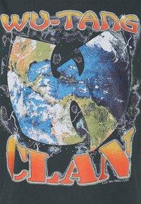 Revival Tee - WU-TANG CLAN UNISEX - Print T-shirt - black - 2