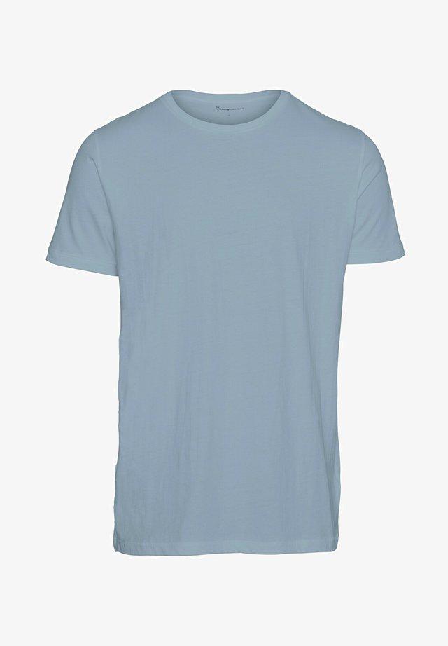 ALDER - Basic T-shirt - asley blue