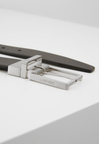 Calvin Klein - FORMAL BELT  - Belt - black/brown - 2