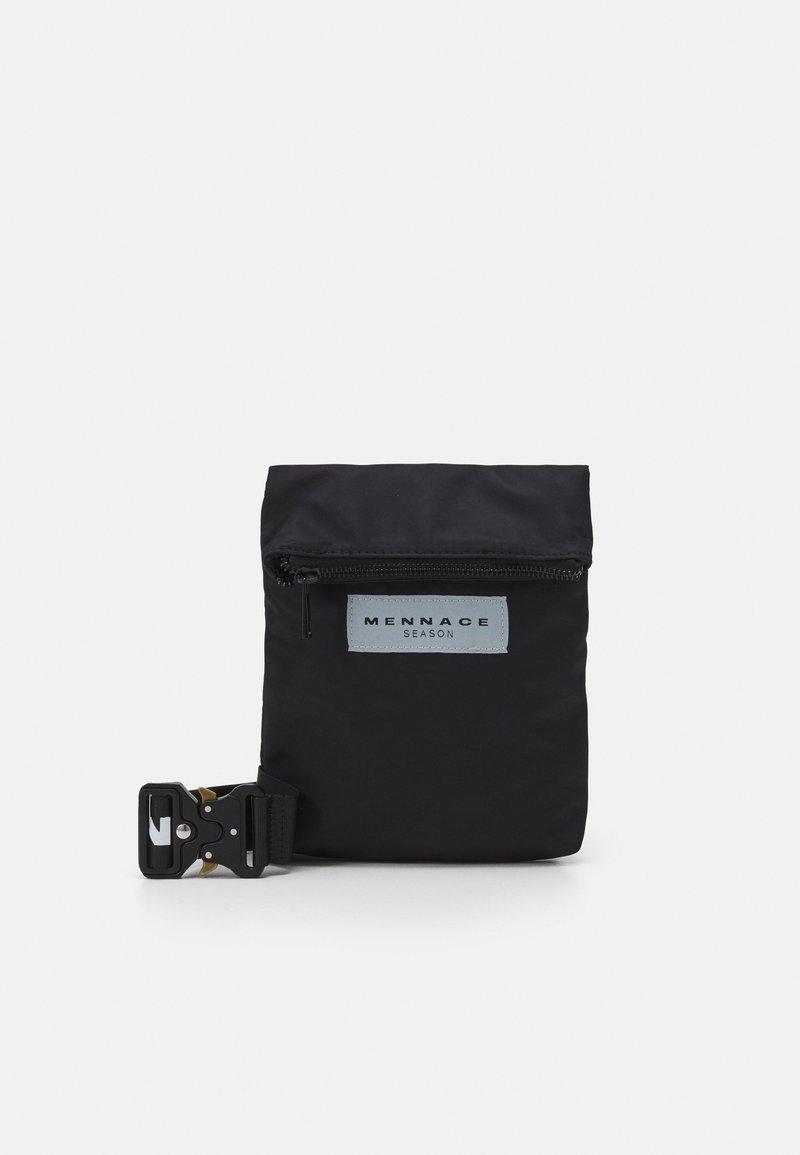 Mennace - HEAVY CLIP BODY POUCH BAG UNISEX - Bum bag - black