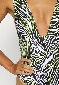 Calvin Klein Swimwear - PLUNGE ONE PIECE - Swimsuit - green - 4
