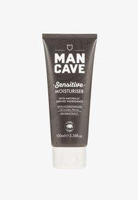 Man Cave - SENSITIVE MOISTURISER 100ML - Dagcrème - - - 0