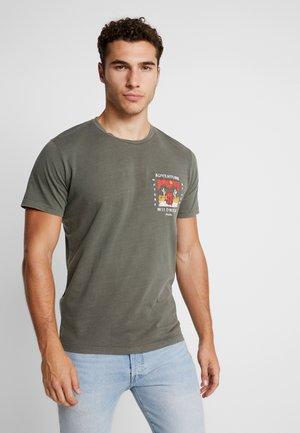 JORSUB SOUL TEE CREW NECK   - Print T-shirt - dusty olive