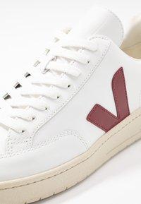 Veja - V-12 - Zapatillas - extra white/marsala/nautico - 5