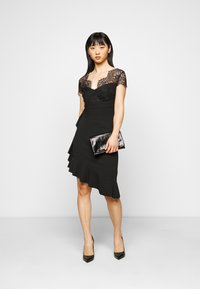 SISTA GLAM PETITE - LYNDIA - Cocktail dress / Party dress - black - 1