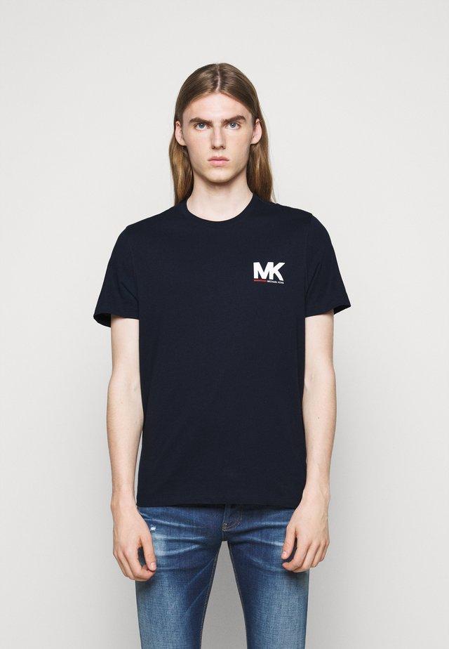 SPORT LOGO TEE - T-shirt imprimé - dark midnight
