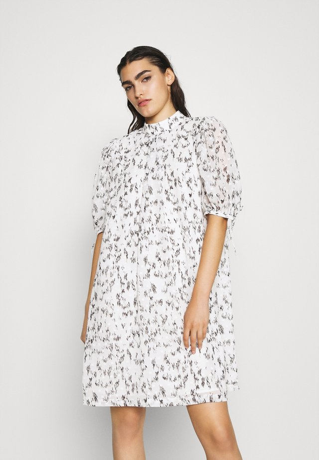KIELY SLEEVE DRESS - Hverdagskjoler - cream/black