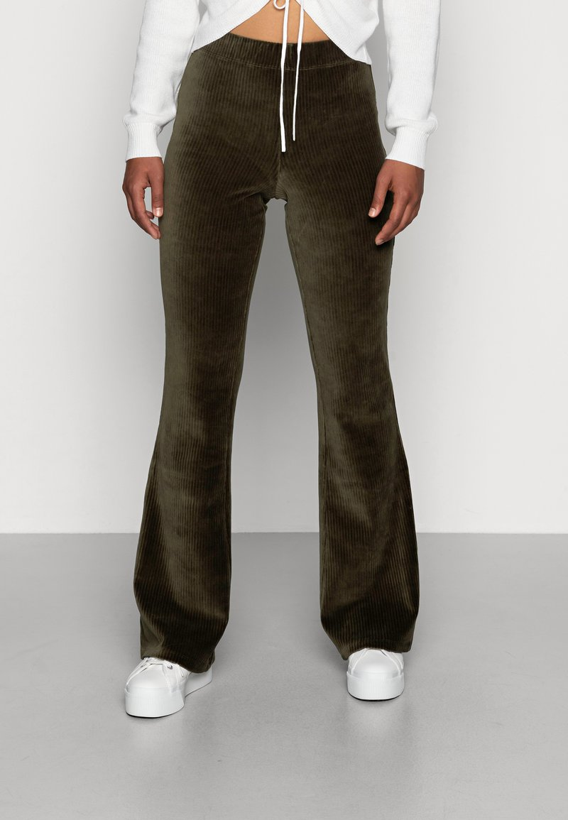 ONLY - ONLFENJA LIFE FLARED PANT - Broek - forest night