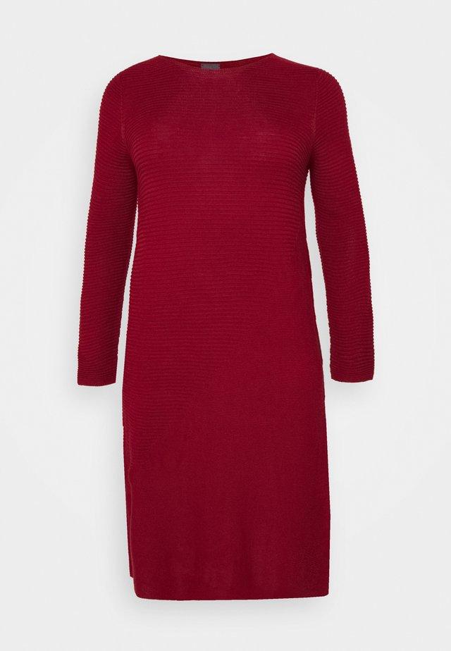 GANGE - Gebreide jurk - red