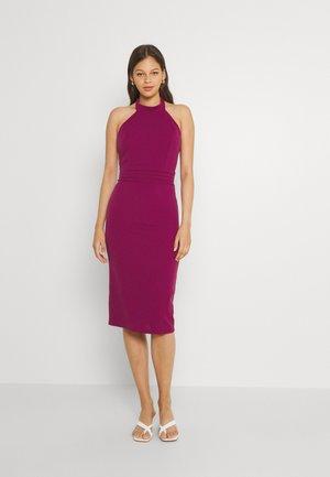 HANNAH HALTER MIDI DRESS - Jersey dress - magenta pink
