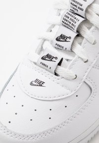 Nike Sportswear - FORCE 1  - Sneakers laag - white/black/white - 5