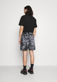 Jordan - POOLSIDE - Shorts - black - 2