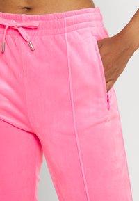 Juicy Couture - TINA TRACK  - Trainingsbroek - fluro pink - 3
